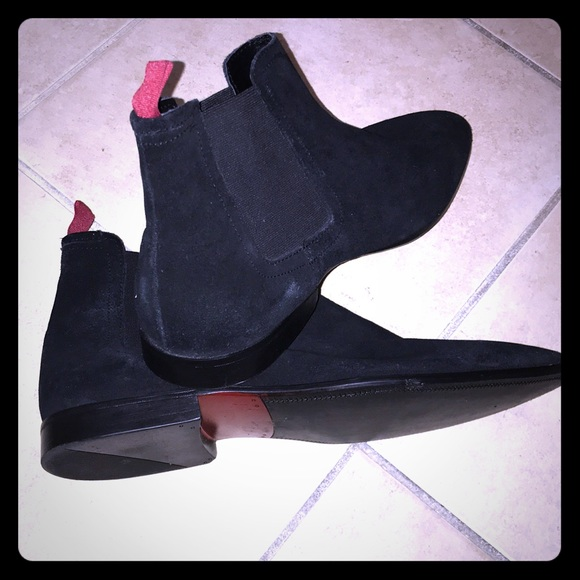 cheap for discount b3720 f46ec ASOS suede Chelsea Boots w/ red tabs